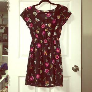 Short sleeve lightweight floral dress